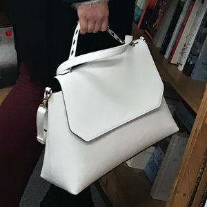 white purse - LIKE NEW